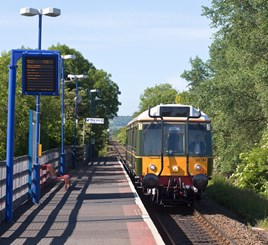 Chiltern Railways 121034 forms the 0918 from Princes Risborough-Aylesbury at Monks Risborough. KIM FULLBROOK.
